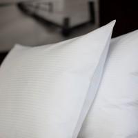 Påslakan 210*230, Hilton satin rand 4 mm 2-pers.